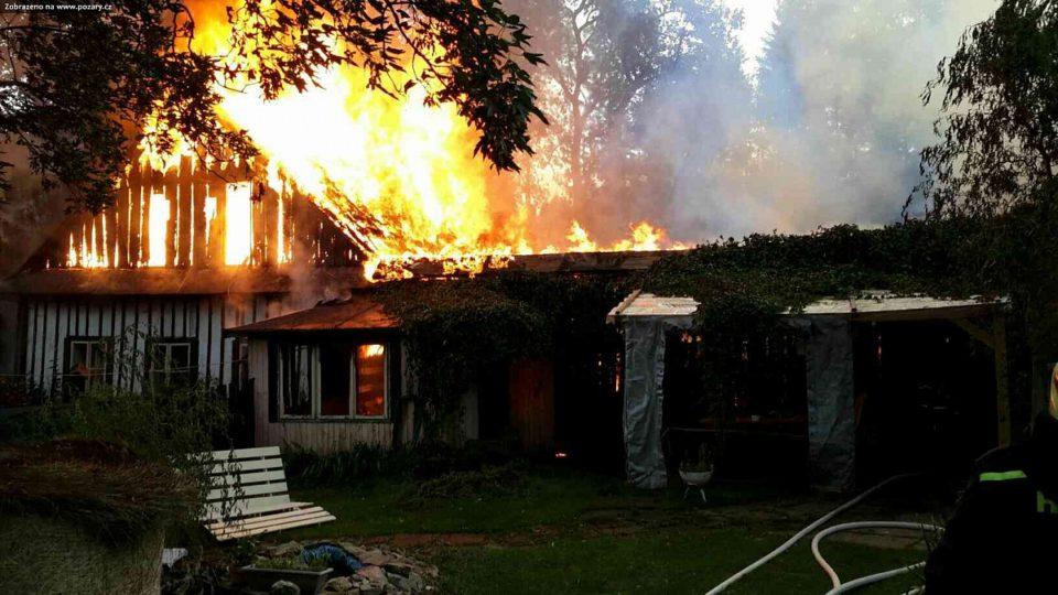 Požár zemědělské usedlosti v Rychnově