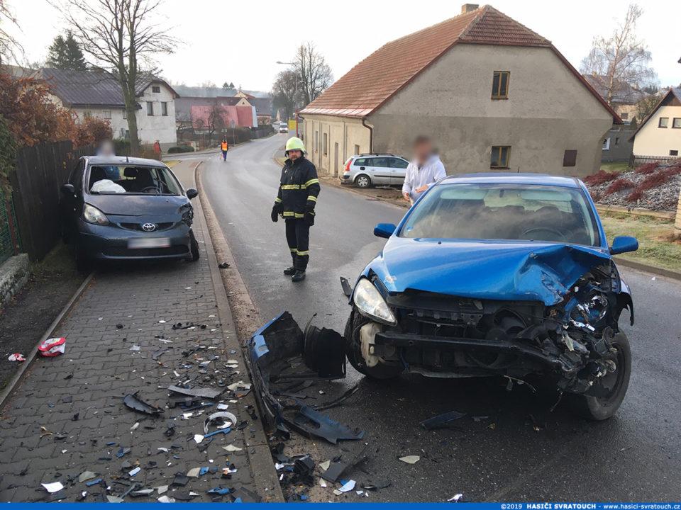 Dopravní nehoda v obci Svratouch (28.11.2019)